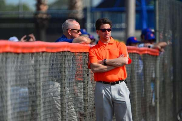 Mets general manager Sandy Alderson, left, and Mets