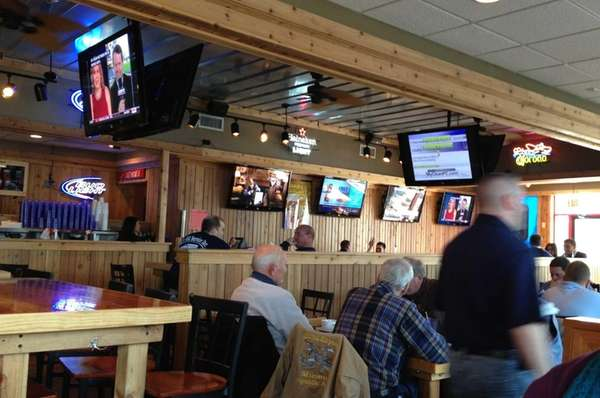 No shortage of TV screens at Bud's Ale