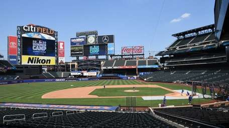 The Mets play a simulated game during a