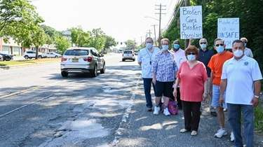Brookhaven residents say Middle Country Road is in