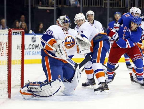 Evgeni Nabokov #20 of the New York Islanders