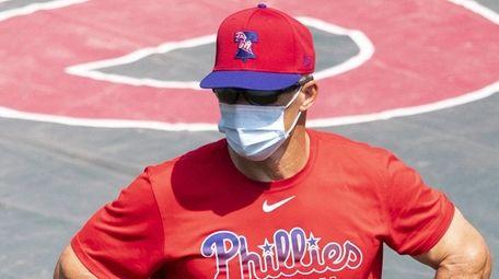 Joe Girardi of the Philadelphia Phillies looks on