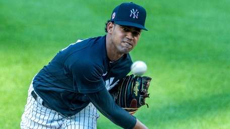 Yankees pitcher Deivi Garcia throws during an intrasquad