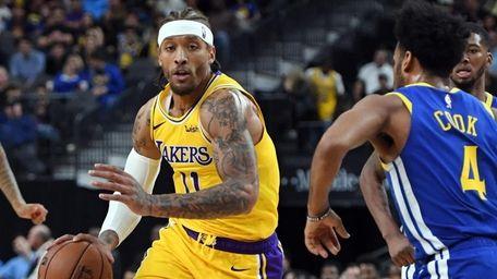 Michael Beasley #11 of the Los Angeles Lakers