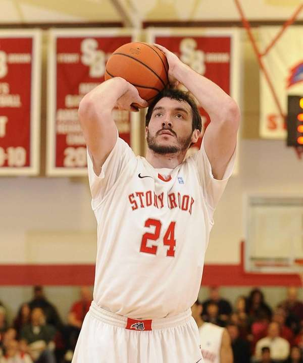 Stony Brook forward Tommy Brenton sinks his free