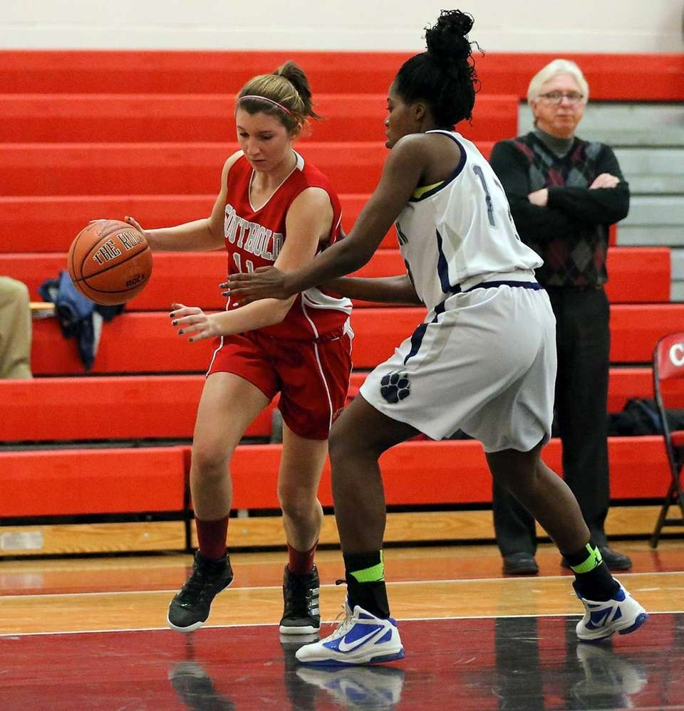 Southold's Nicole Busso drives the baseline against Stony