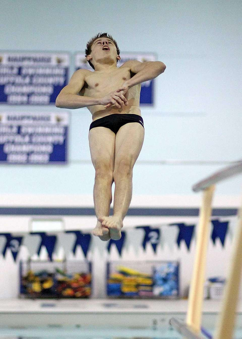 West Islip's Patrick Carter wins the Suffolk diving