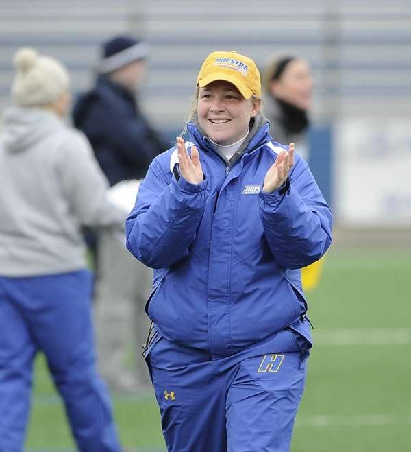 Hofstra head coach Shannon Smith reacts as time