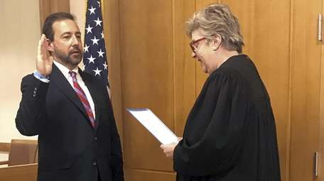 Seth DuCharme sworn in by U.S. Chief District