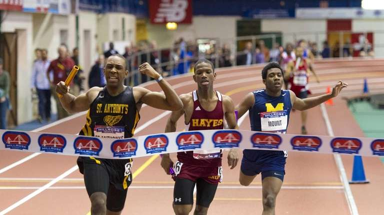 Marlon Montague anchored St. Anthony's 4x200m relay to