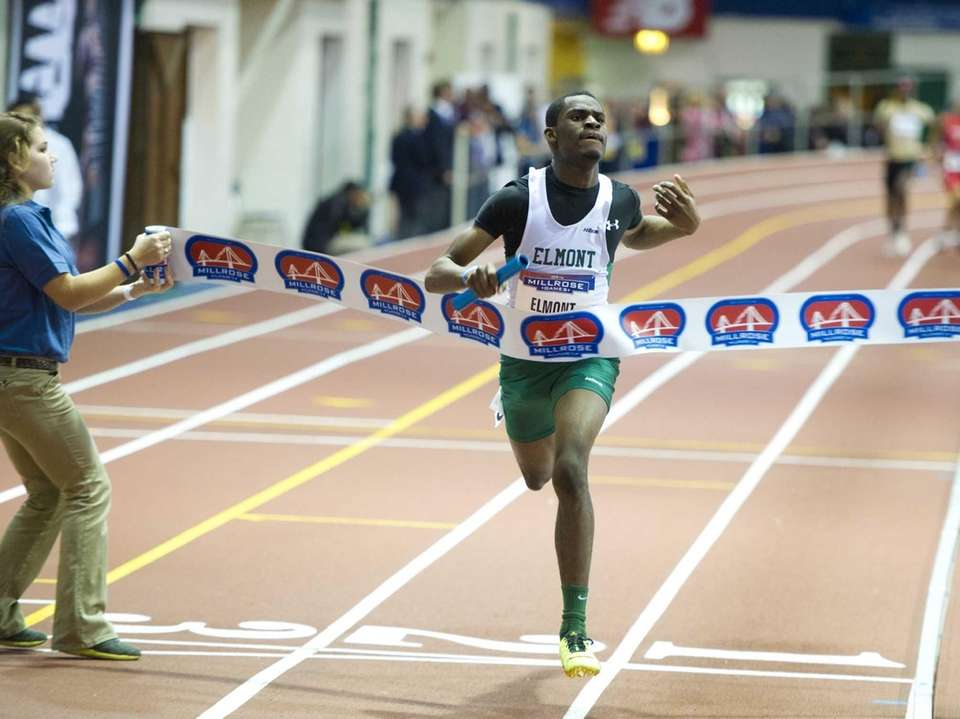 Ayo Obadare anchored Elmont Memorial's 4x400m relay to