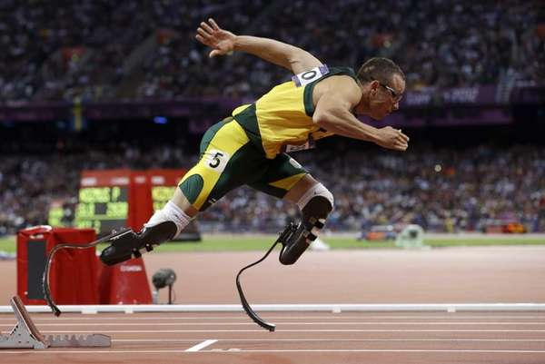 Oscar Pistorius starts in the men's 400-meter semifinal