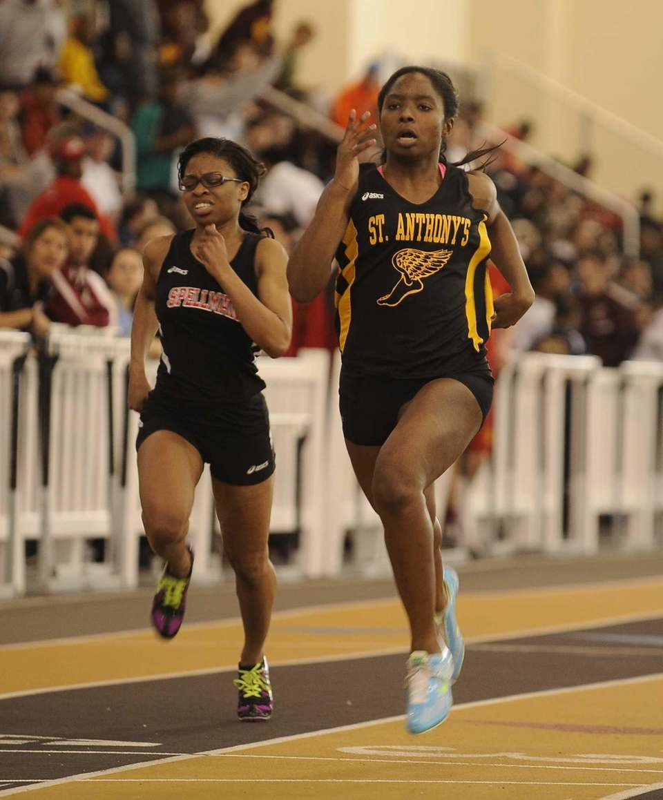 St. Anthony's Melissa June wins her semifinal heat