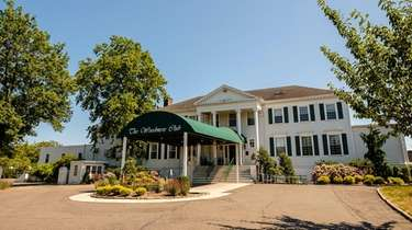 The owners of Woodmere Golf Club have proposed