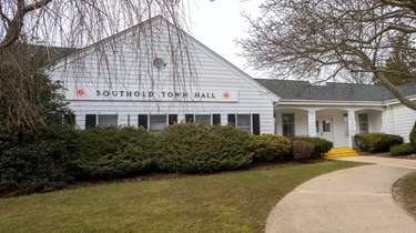 Some Southold Town residents complained that police ignored
