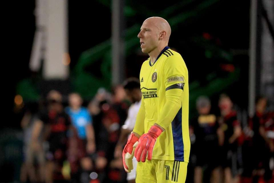 Brad Guzan #1 of Atlanta United reacts against