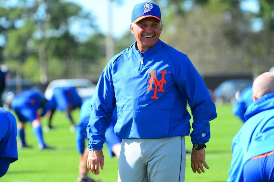 Terry Collins shares a laugh with the players