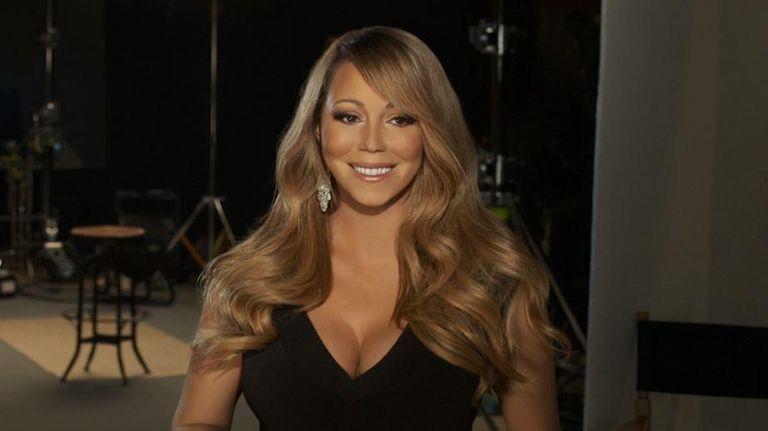 Mariah Careys Nip Slip Singer Has Wardrobe Malfunction Onstage