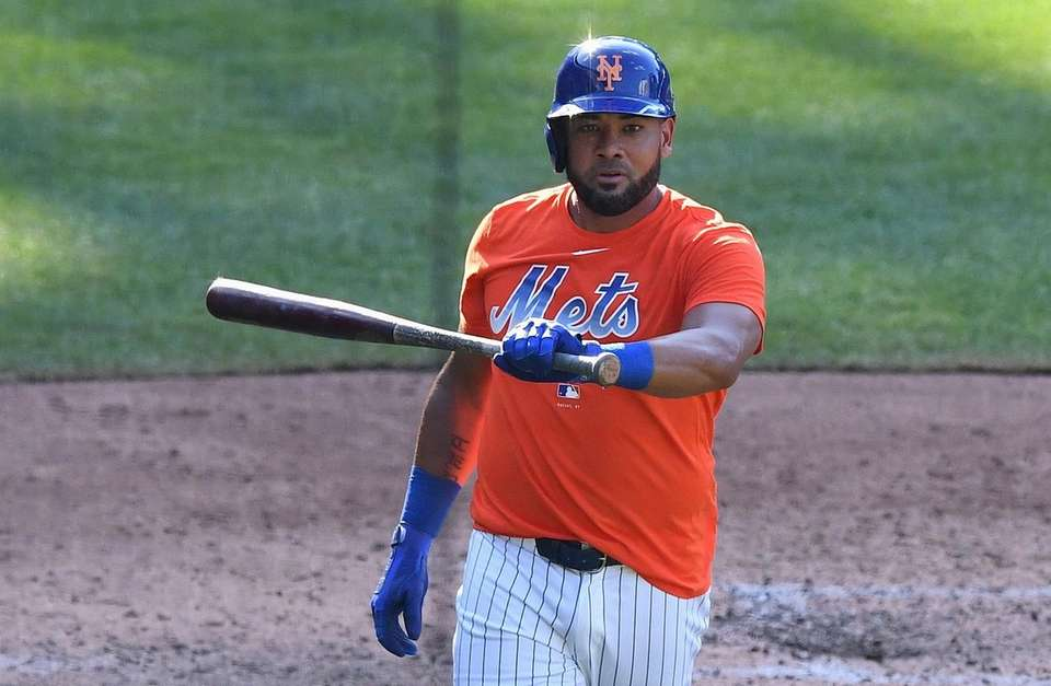 The Mets' Melky Cabrera returns to the dugout