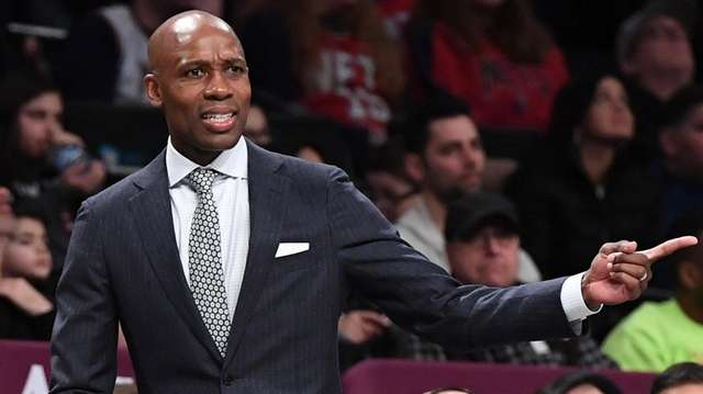 Nets head coach Jacque Vaughn against the Bulls