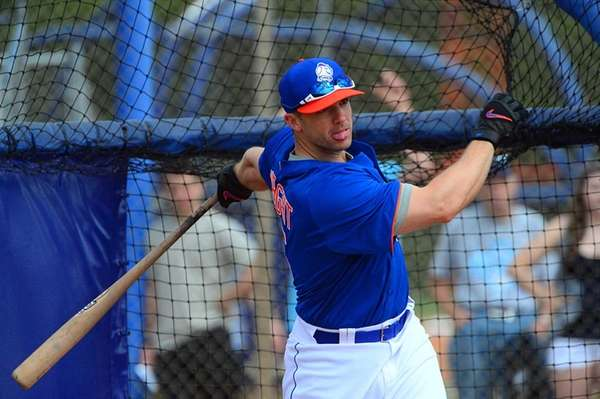 David Wright takes batting practice during a spring