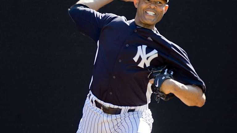 Yankees closer Mariano Rivera throws in the bullpen