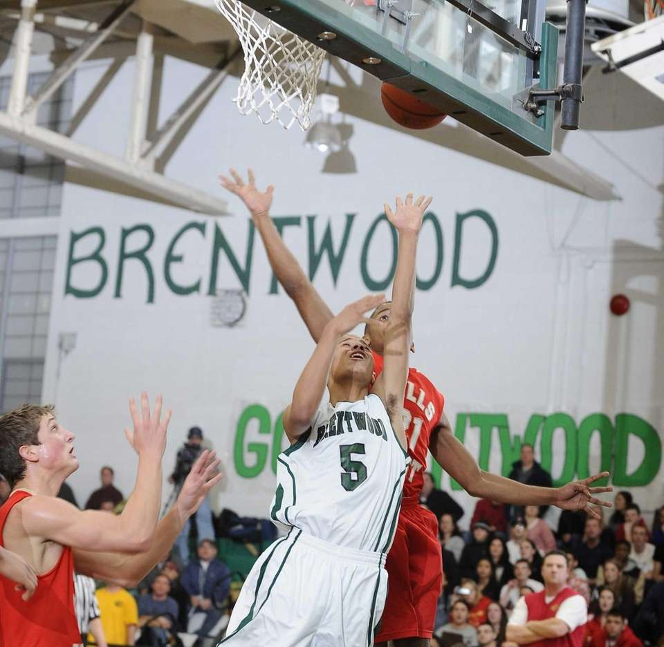 Brentwood's Michael Almonacy shoots from under the basket