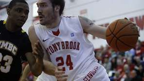 Stony Brook's Tommy Brenton drives the baseline against
