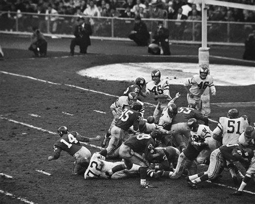 1961: BOB GAITERS, RB, Denver Broncos (AFL) Gaiters