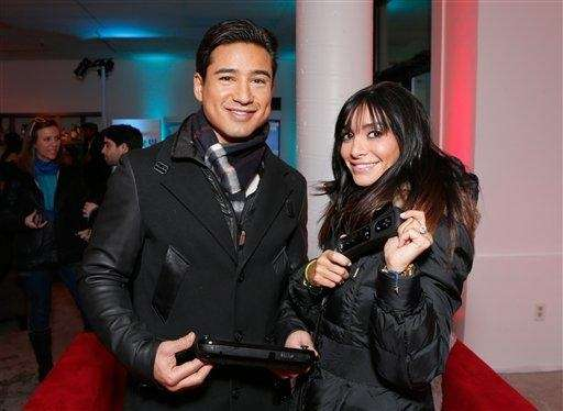 Mario Lopez and wife Courtney Laine Mazza warm