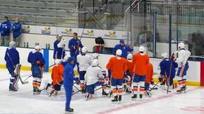 Newsday Islanders beat reporter Andrew Gross talks about