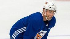 New York Islanders right wing Jordan Eberle (7)