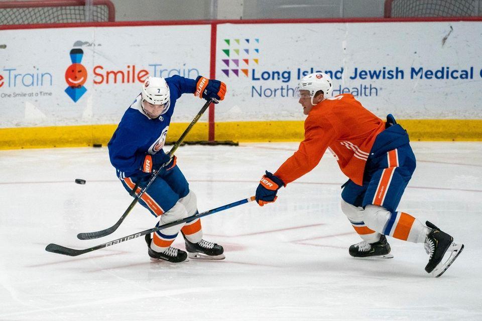 New York Islanders defenseman Ryan Pulock (6) defends