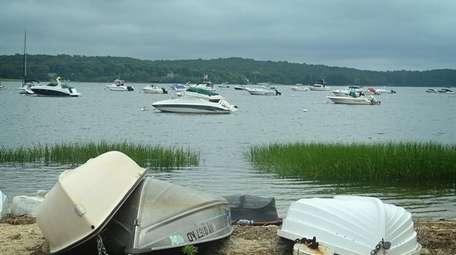 Boats in the waters off Nissequogue along Long