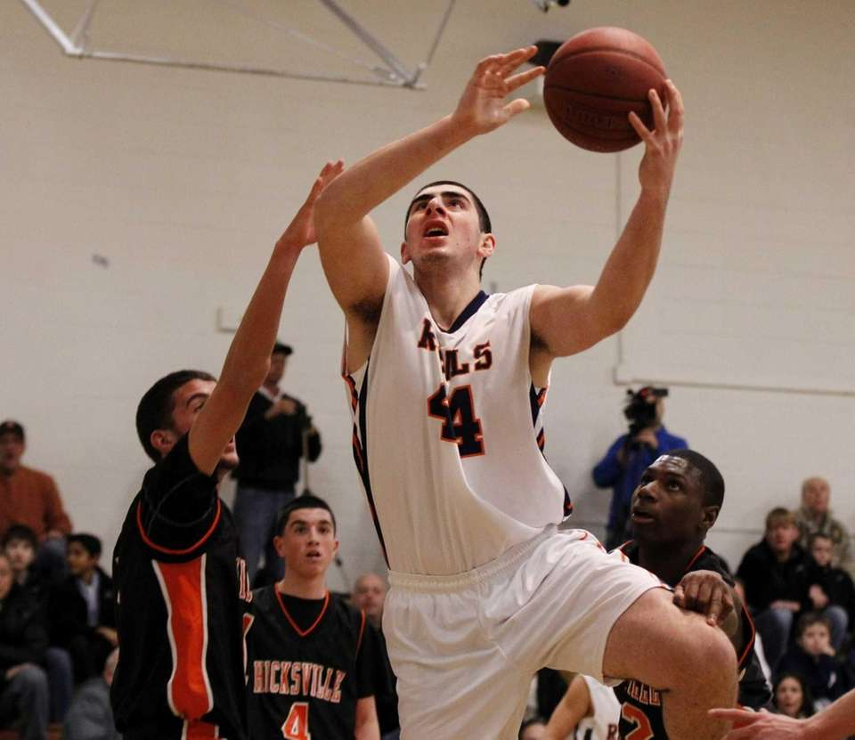 Mitchell Finkel of Great Neck South drives to