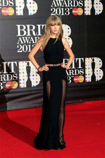 Taylor Swift arrives at the BRIT Awards 2013