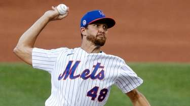 Jacob deGrom left his start on Tuesday night