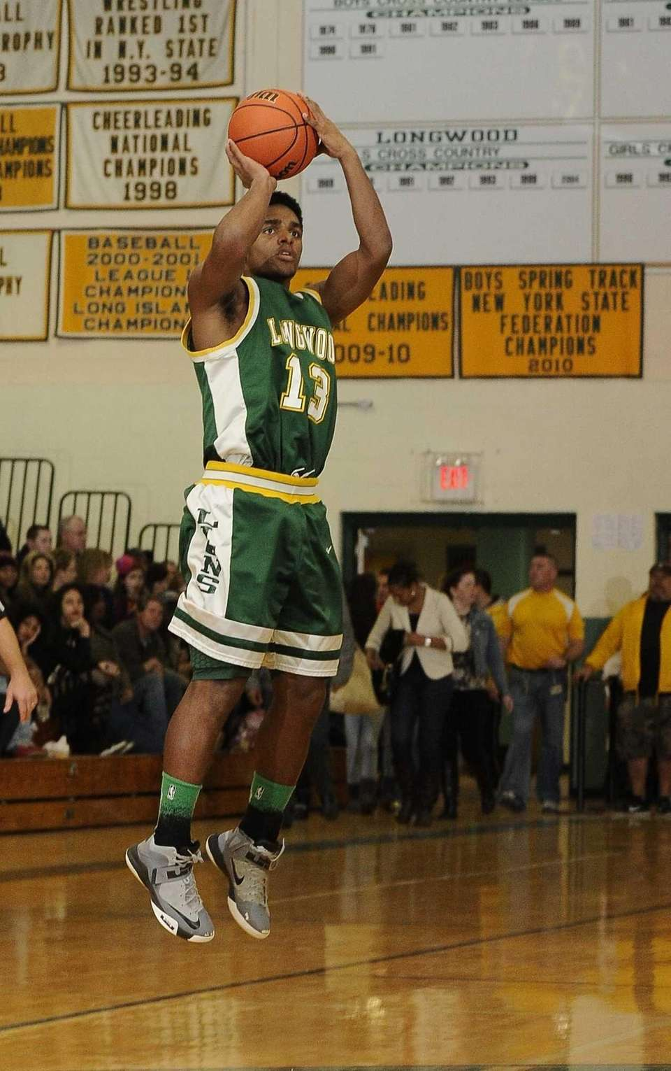 Longwood's Stephon Odle shoots against Northport' in the