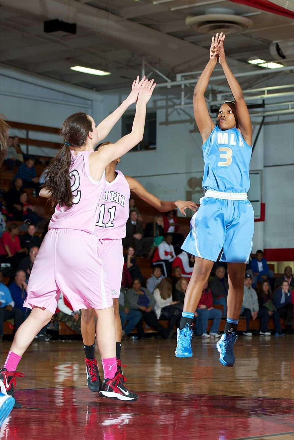 Mary Louis Academy guard Simone Hobdy takes a