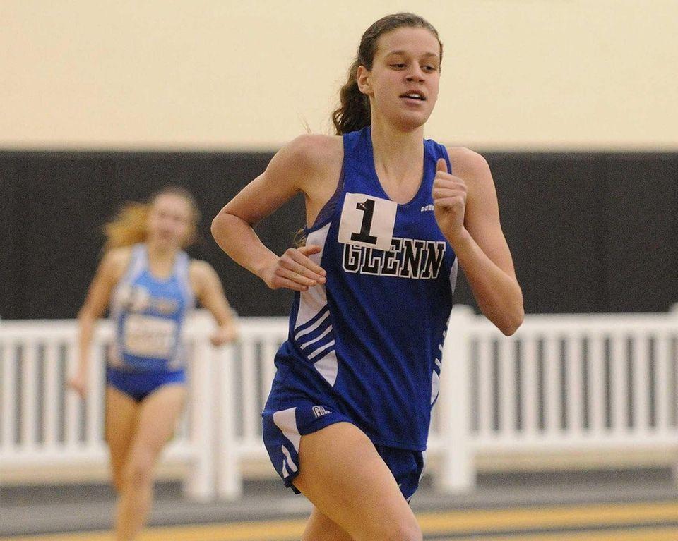 Glenn junior Sarah Hardie races to victory in