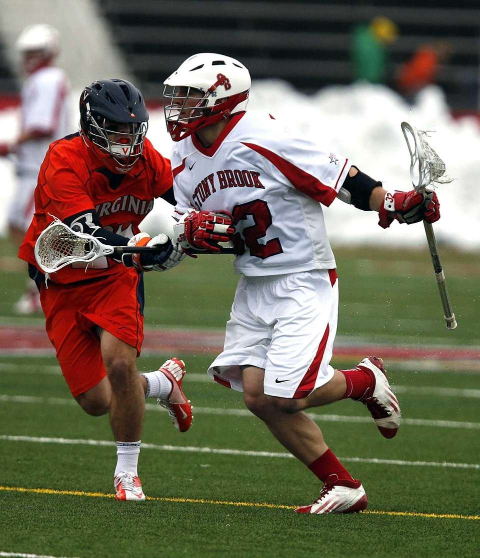 Stony Brook Seawolves midfielder Mike Andreassi drives at