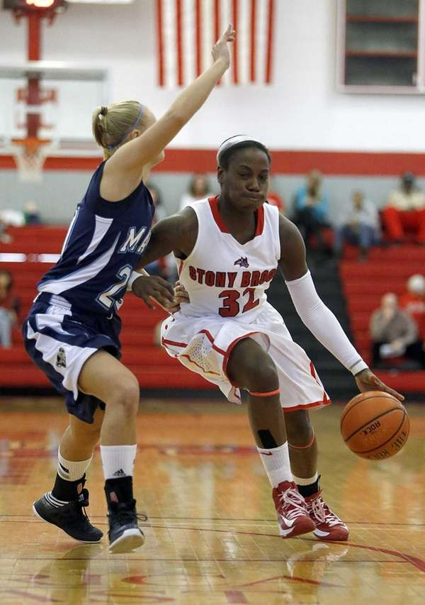 Stony Brook's Chikilra Goodman drives from the top