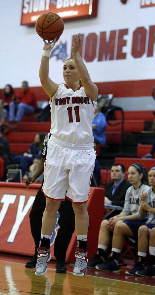 Stony Brook's Dani Klupenger shoots a three pointer