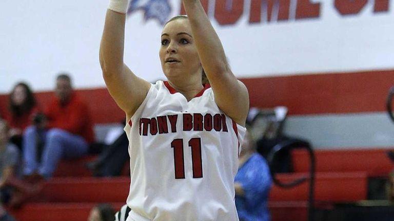 Stony Brook's Dani Klupenger shoots a three pointer