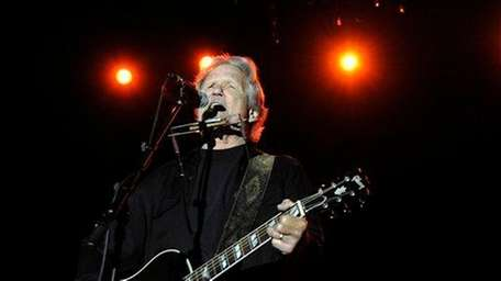 Kris Kristofferson performs at the Stagecoach Music Festival