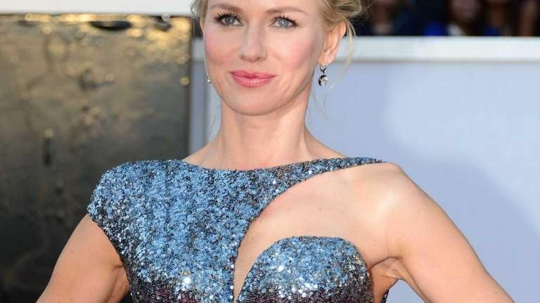 Naomi Watts arrives at the 85th Academy Awards