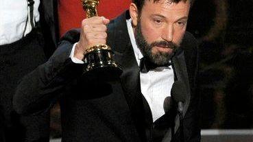 Director/actor/producer Ben Affleck accepts the Academy Award for