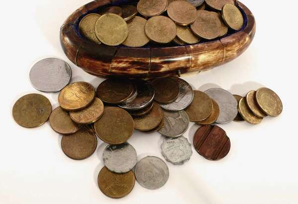 Vintage coins will be among the The Massapequa