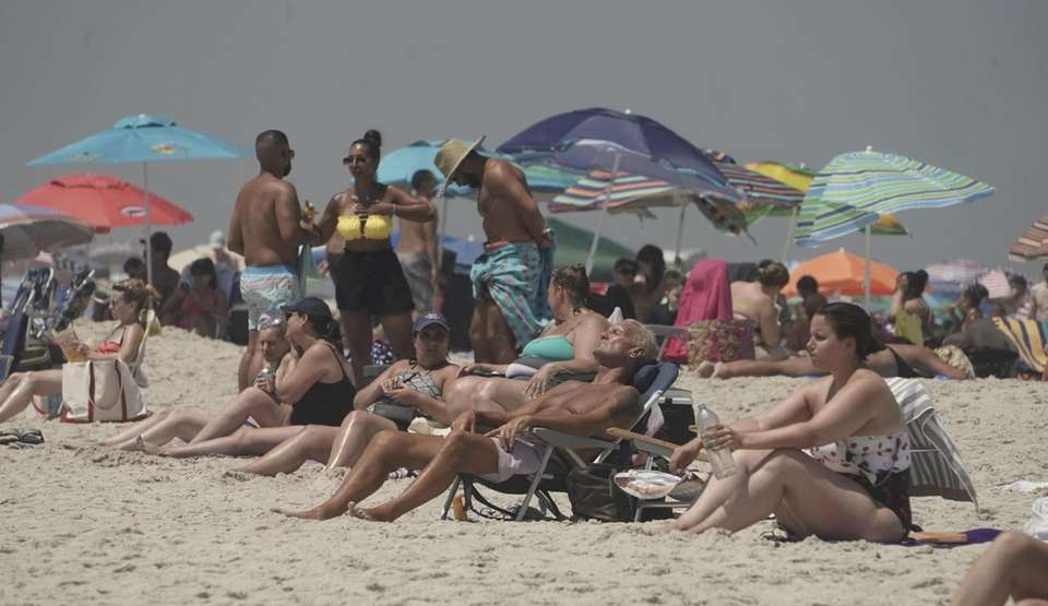 Big crowds at Jones Beach on during a