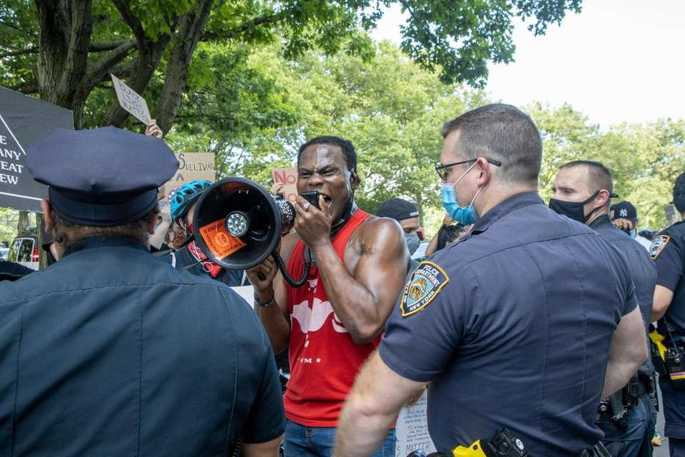 Black Lives Matter protestors clash with NYPD and